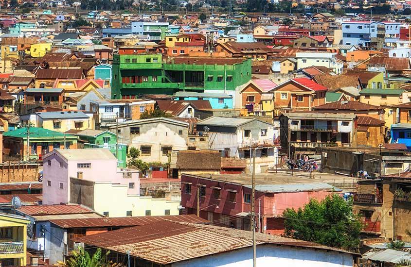 casas coloridas de Soweto, um dos lugares a ser visitado entre muito o que fazer em Joanesburgo áfrica do sul