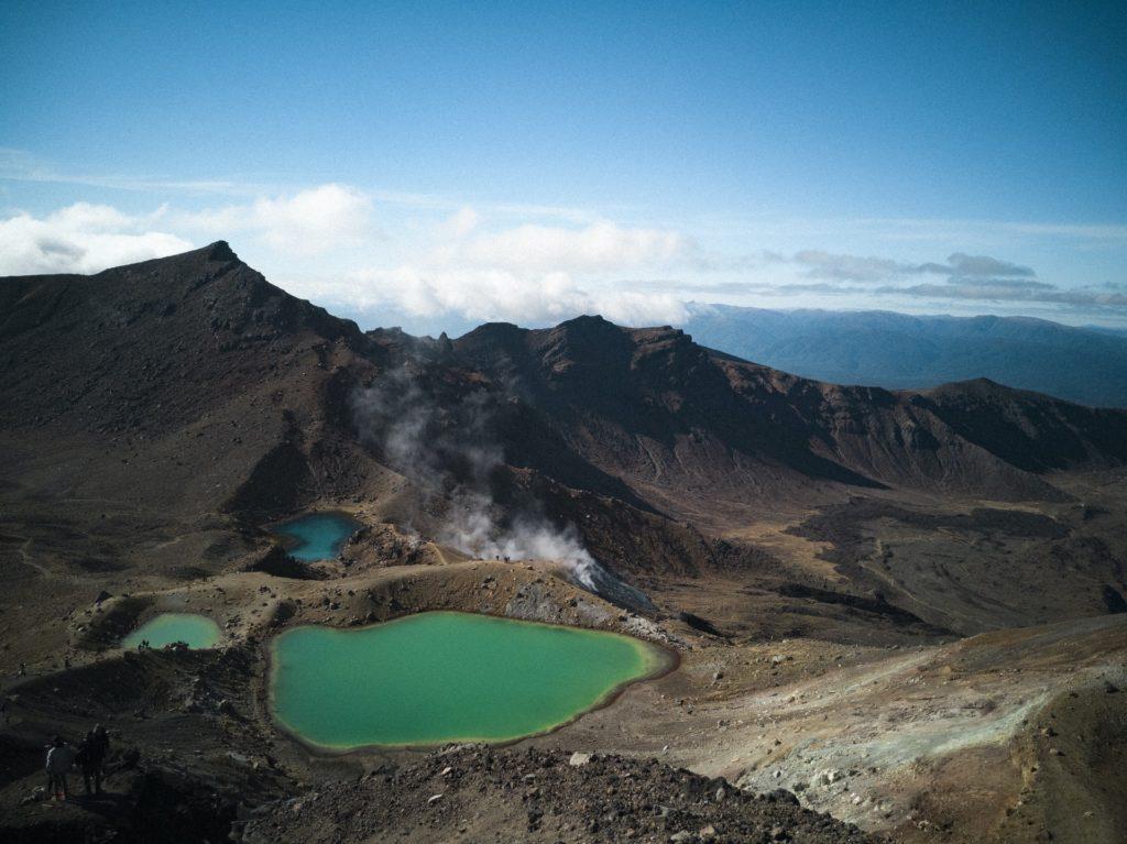 Vista aérea de vulcões na Nova Zelândia