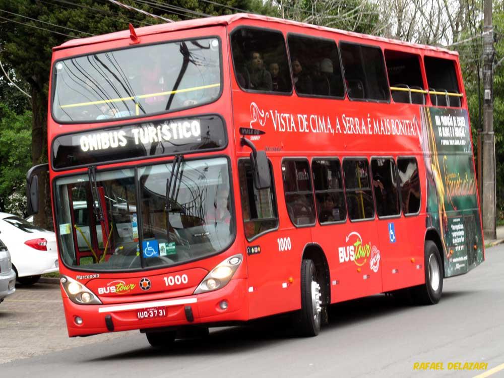Pessoas fazem o Bus Tour uma das atrações entre muito o que fazer em Gramado e Canela