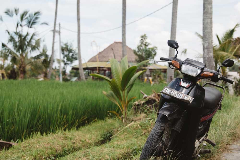 scooter em estrada