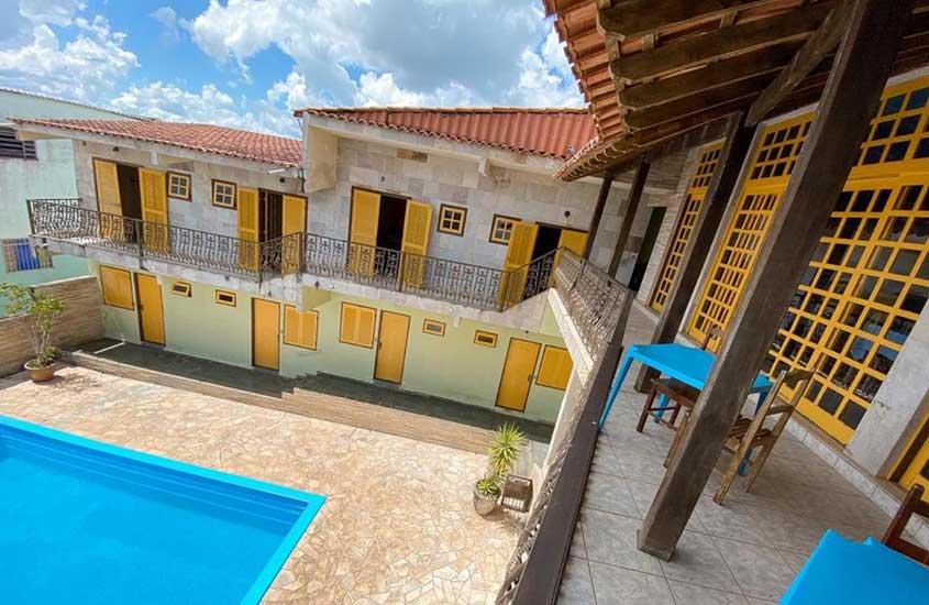 piscina em área de lazer de hotel dos sonhos, uma opção para quem busca Onde ficar em São Thomé das Letras