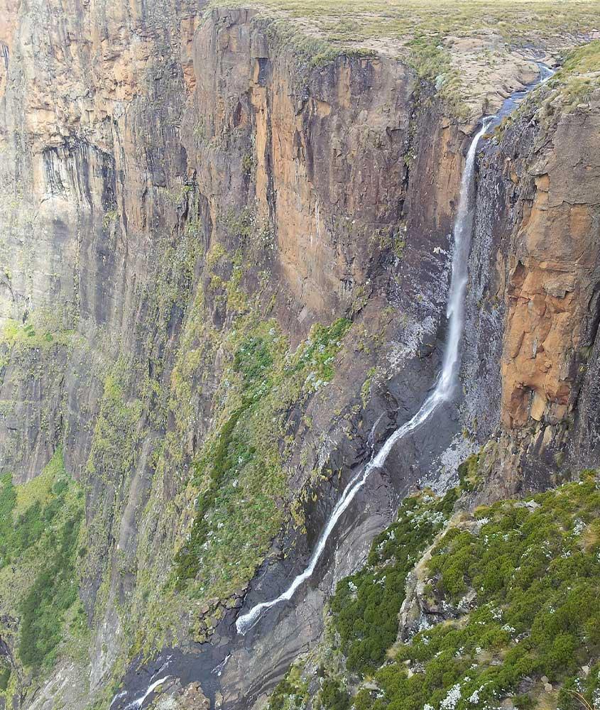 queda d'água de cachoeira