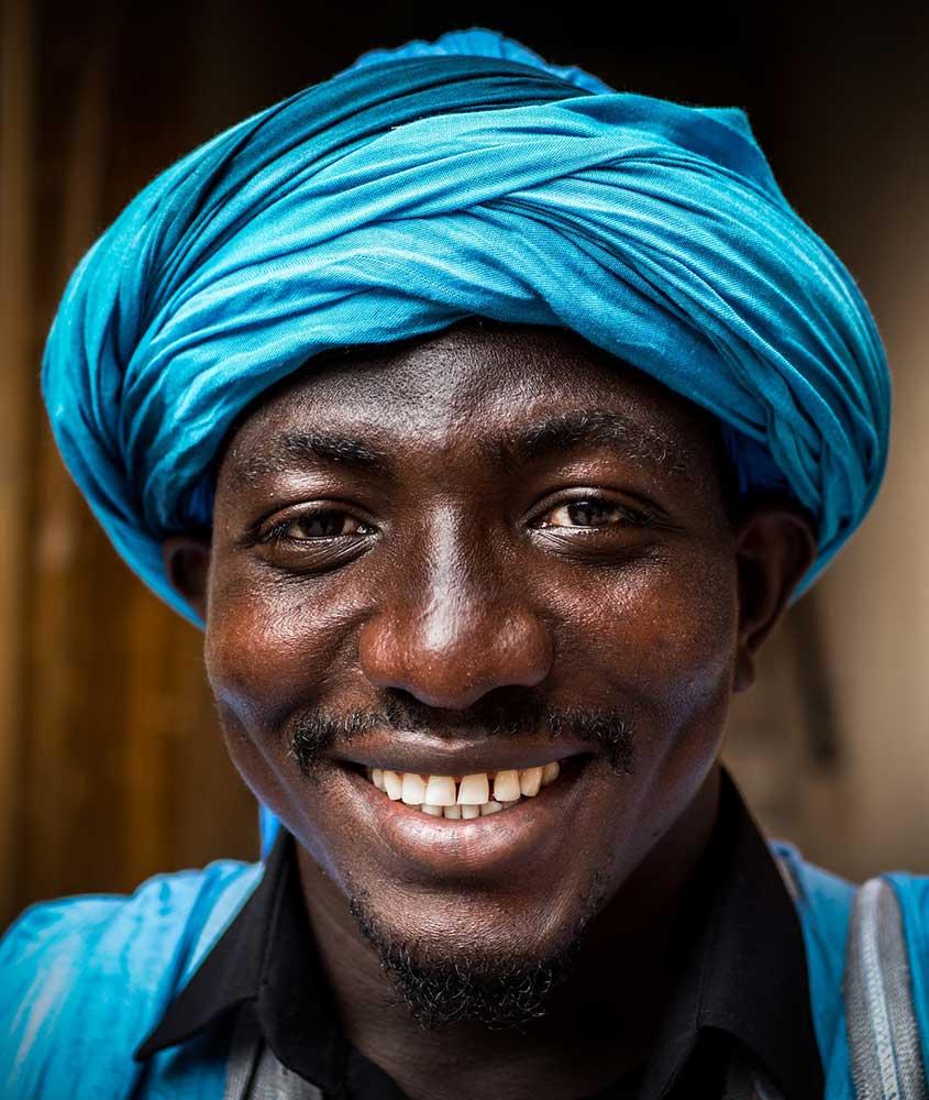 Homem marroquino sorrindo