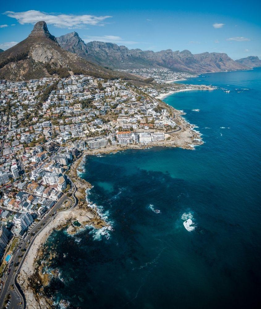 vista aérea de litoral na Africa