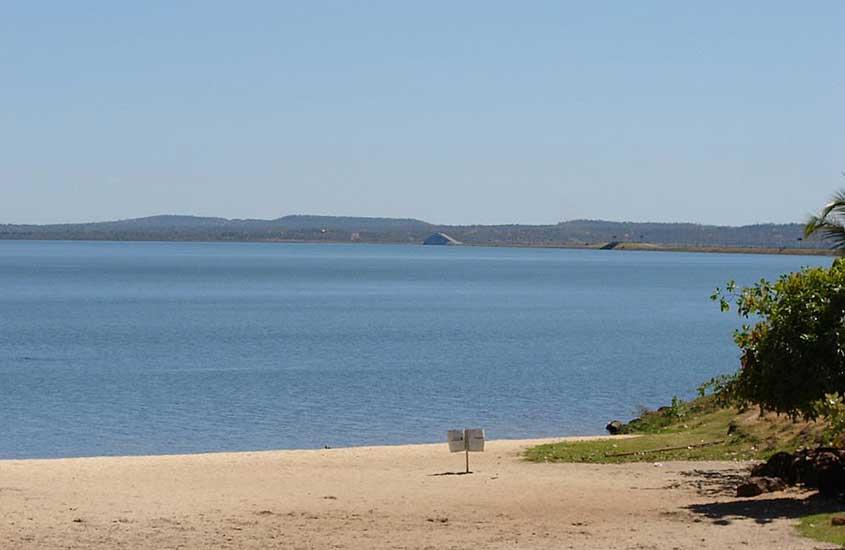praia vazia, um atrativo para quem busca o que fazer em palmas tocantins