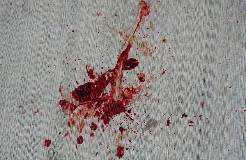parede suja de sangue