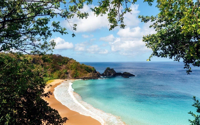 10 destinos de viagem pelo litoral brasileiro que vão te encantar